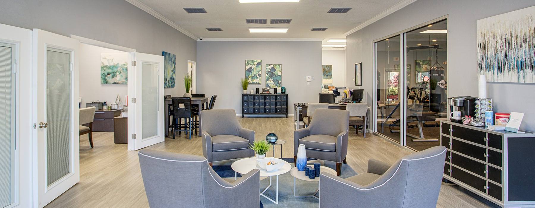 open Resident lounge - Royal Isles Apartments in Orlando